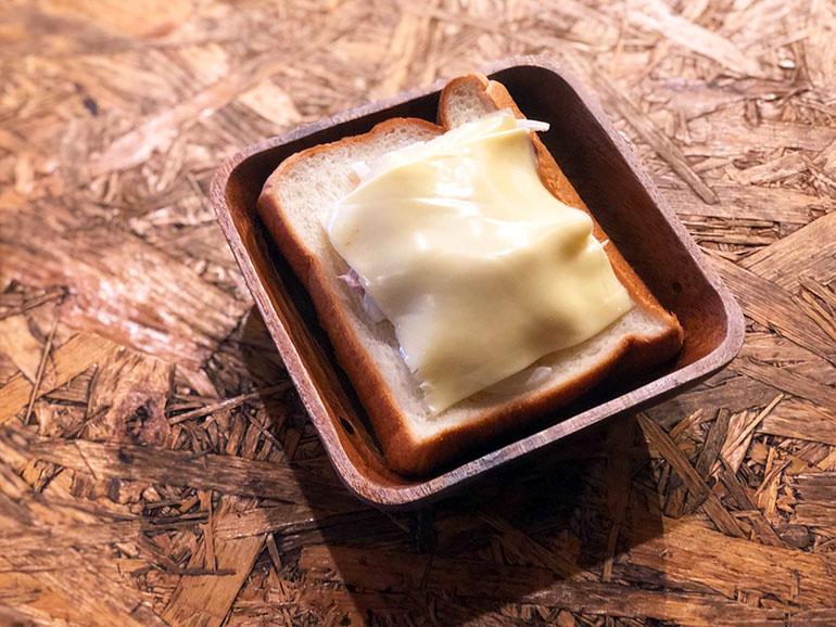 食パン チーズ