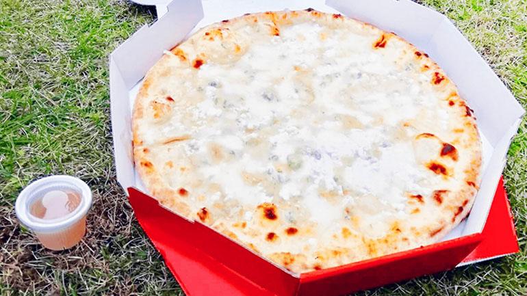 【滋賀県】道の駅「せせらぎの里こうら」で本格石窯ピザを食べよう!