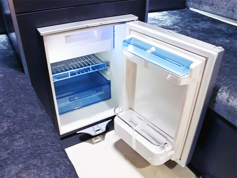 RVトラスト TR500 C-LH 冷蔵庫