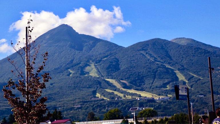 【福島】磐梯山の絶景が目の前!「道の駅 猪苗代」は伝統工芸のお土産も最高にかわいい!