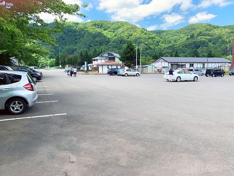 道の駅 虹の湖 駐車場