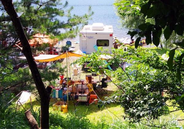 富士五湖の一つ西湖で偶然見つけたキャンプ場での話