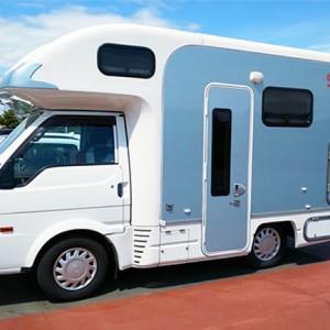 東和モータースの人気キャンピングカー「カービィR2B」のオーナーが語るその魅力とは?