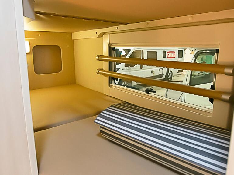 日本特殊ボディーHAYABUSA リア二段ベッド
