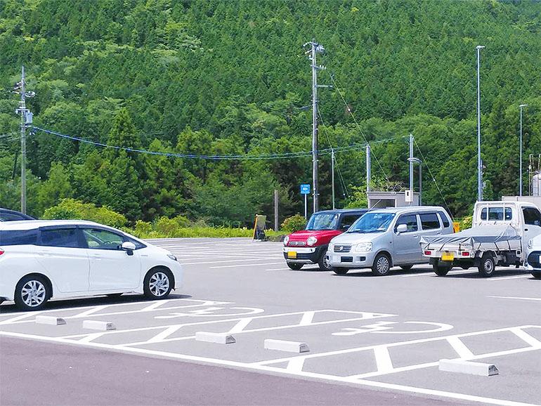 道の駅願成就温泉 駐車場