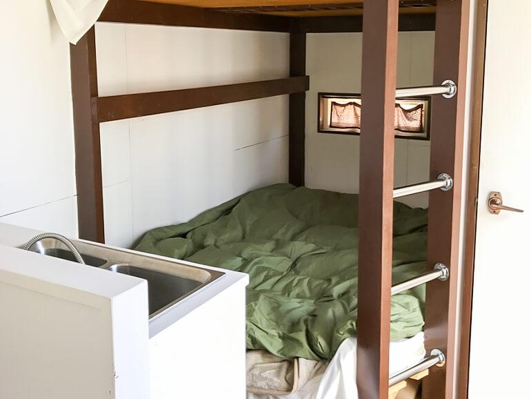 コンテナハウス ベッド