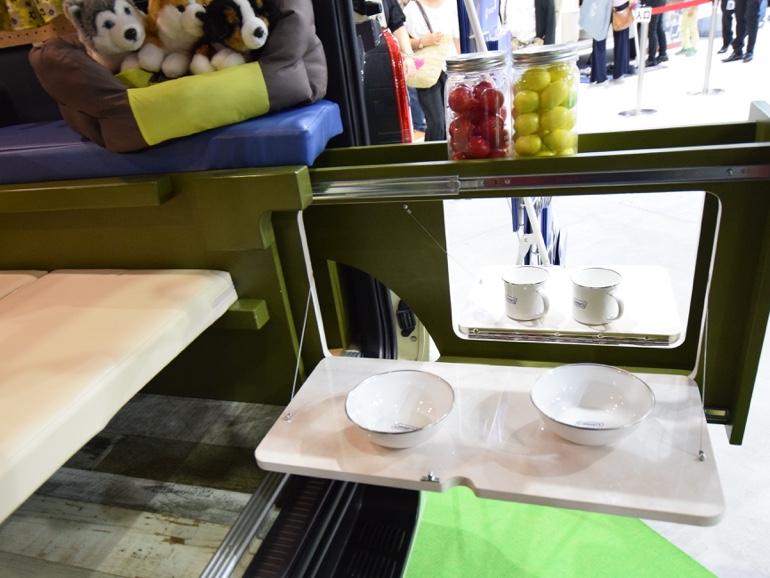DOG ACE内装スライド式アウトドアテーブル