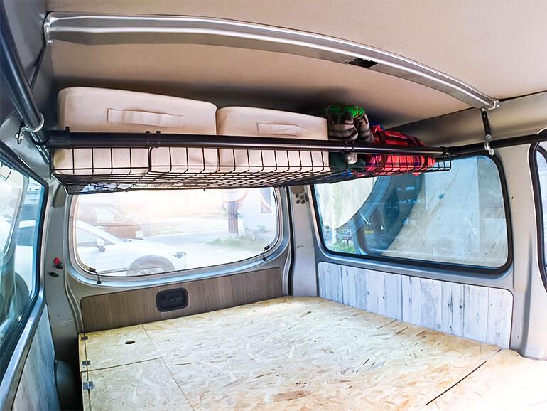 車内 天井収納