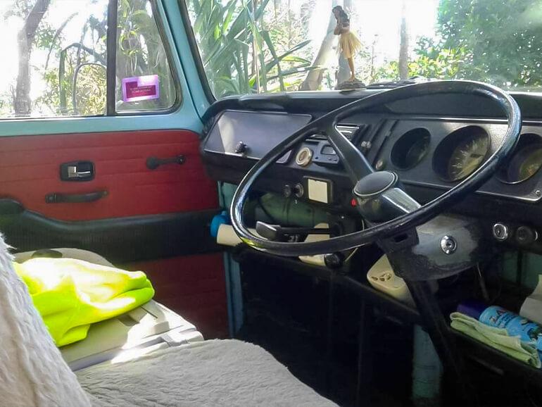 ワーゲンバス 運転席