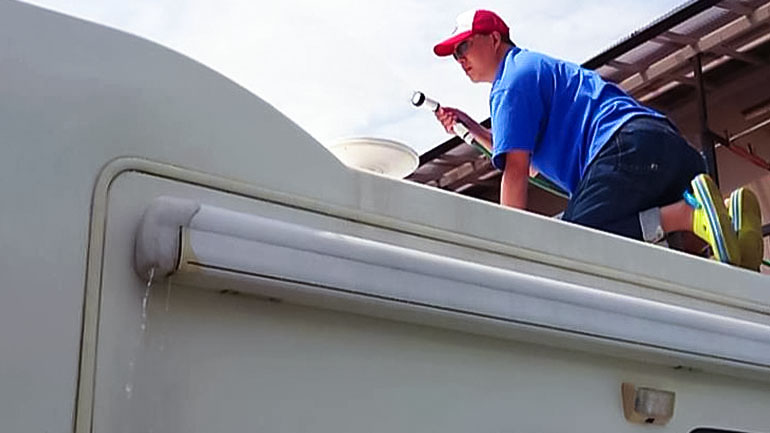 キャンピングカーを洗車できる場所はこうして探せ!〜リアルなキャンピングカーの洗車事情〜