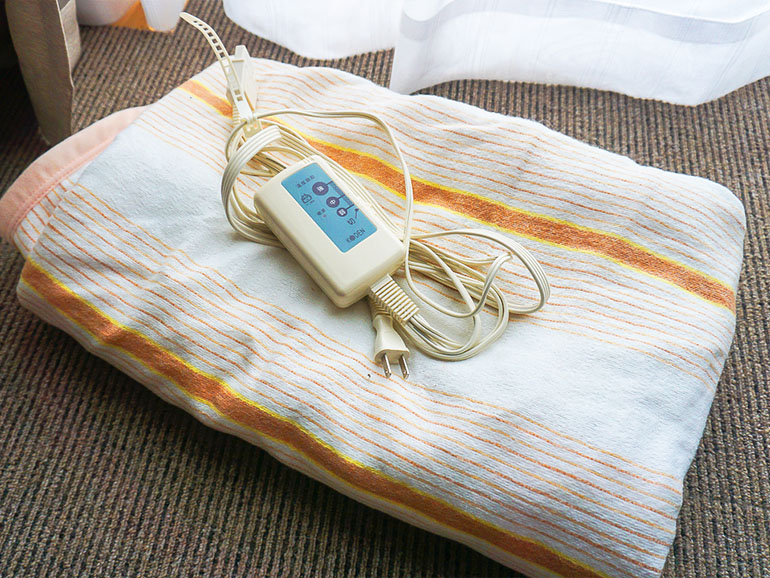 雪中キャンプおすすめアイテム 電気毛布