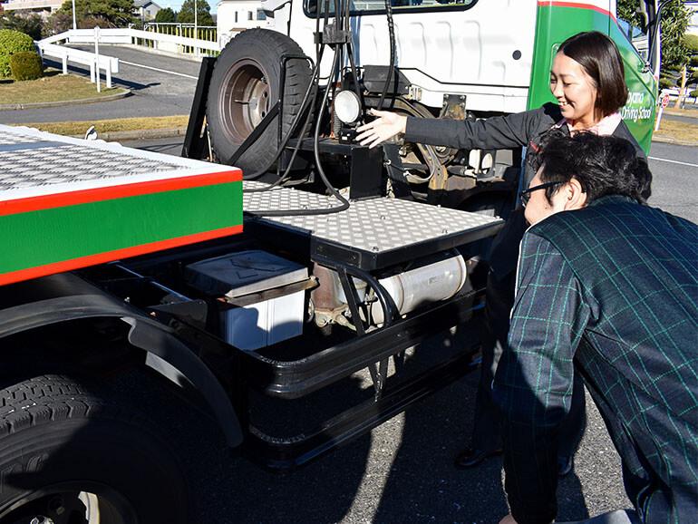 コヤマドライビングスクール けん引免許 教習風景
