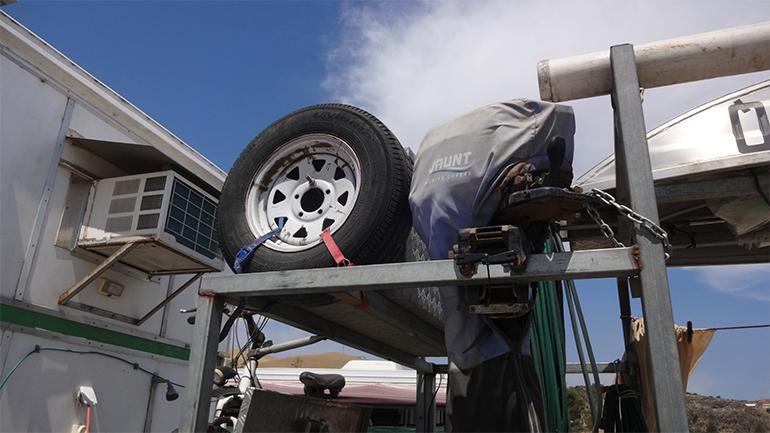 トラックキャンピングカー 牽引トレーラー