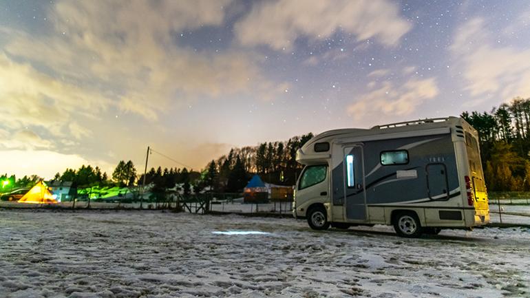 北海道の犬連れ冬キャンプにおすすめ!「ファミリーパーク追分オートキャンプ場」に行ってきた!