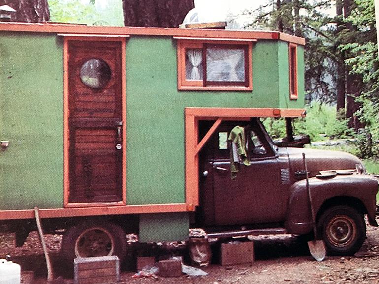 アメリカンスタイルのピックアップトラック