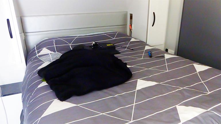 キャンピングトレーラー ベッド2