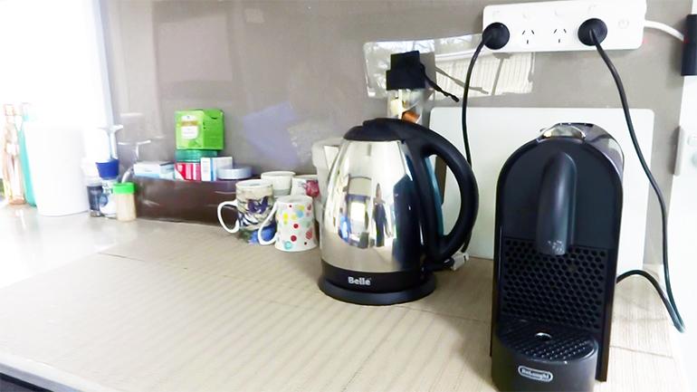 キャンピングトレーラー コーヒーメーカー