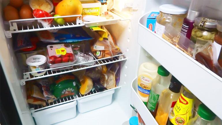海外キャンピングトレーラー 冷蔵庫