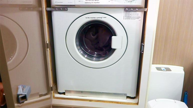 海外キャンピングトレーラー 洗濯機