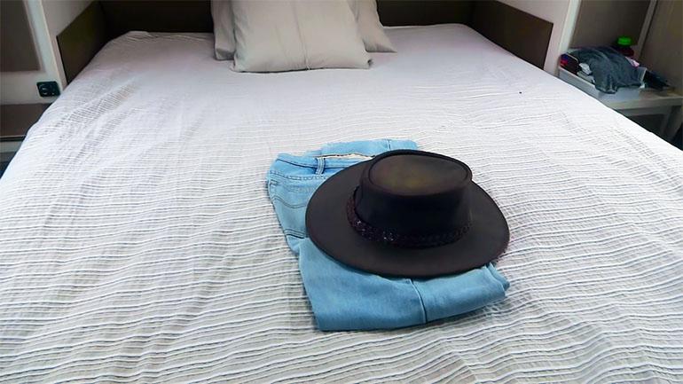 海外キャンピングトレーラー ベッドルーム
