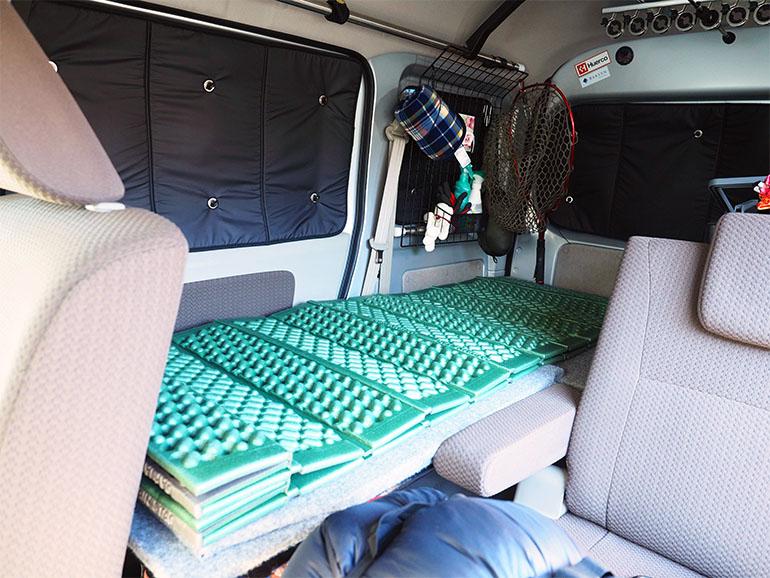 車中泊 フルフラットベッド