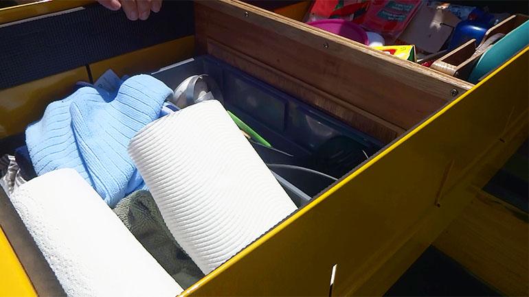 キャンパートレーラー 収納 調理道具
