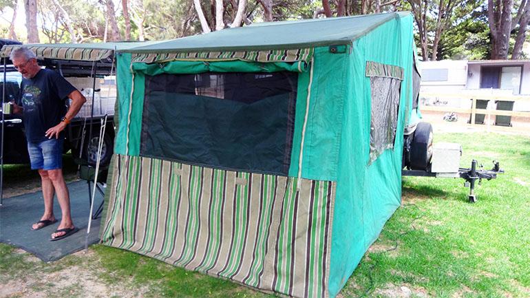 キャンパートレーラー テント部分3