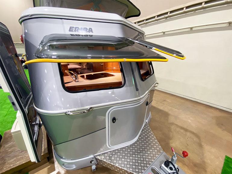 HYMER  Touring Triton 420 ウインドウ