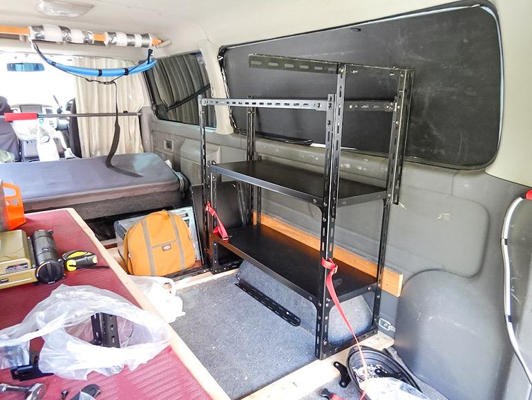 キャラバン車内の棚