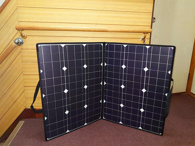 折りたたみ式ソーラーパネル
