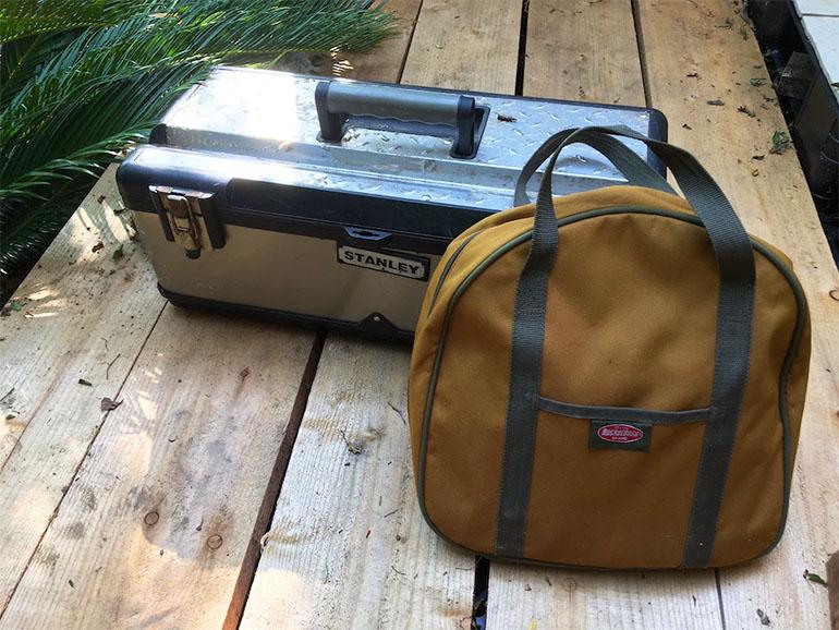 工具箱とバッグ