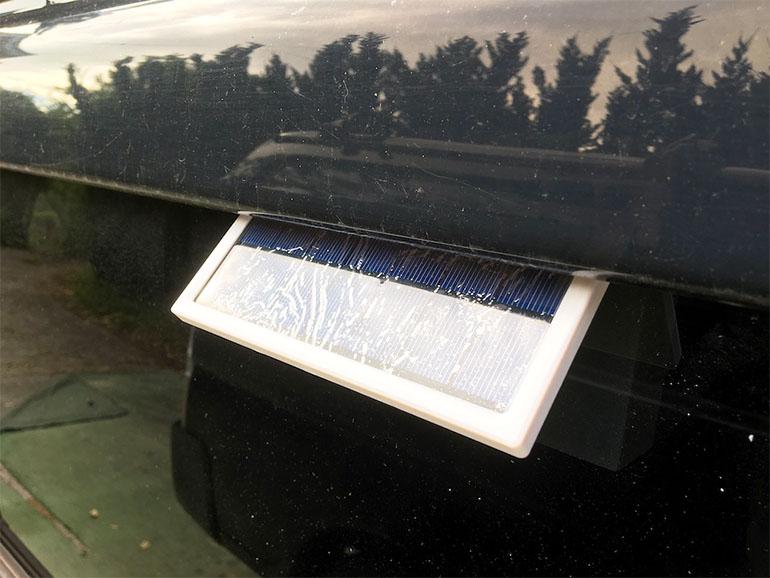 車の窓に取り付ける換気扇2