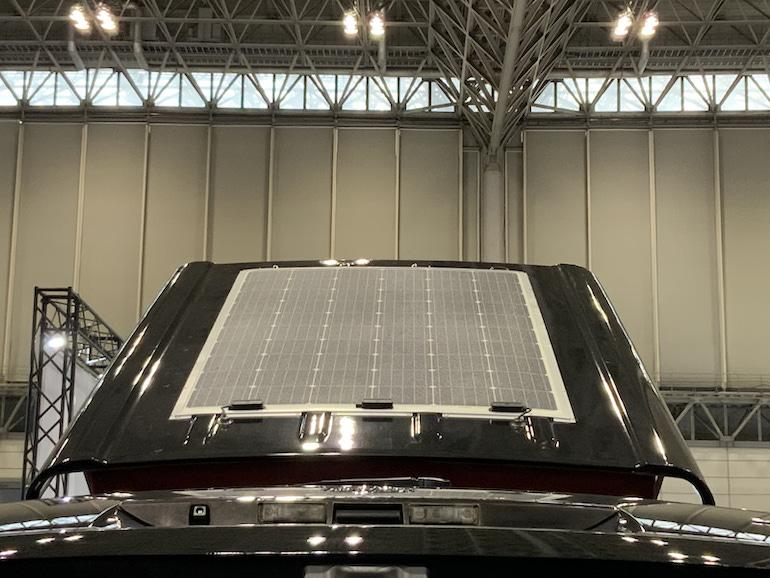 ケイワークスキャンピングカー ソーラーパネル