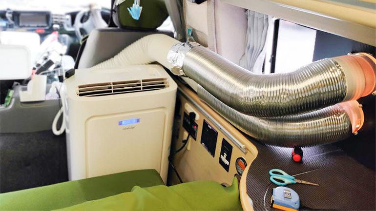 車内に設置したスポットエアコン