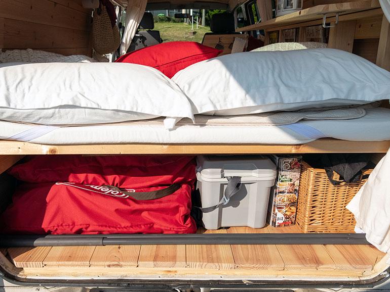 ベッド下収納 リア