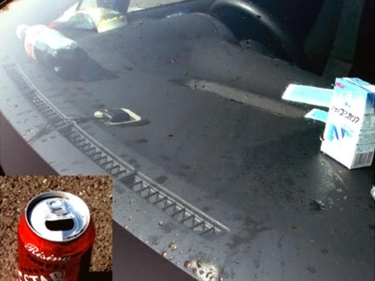 車のダッシュボードに置いた感が破裂