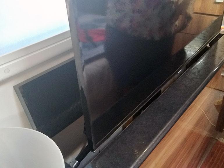テレビ収納2