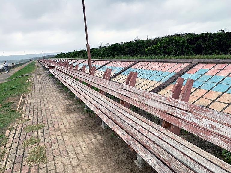 増穂浦海岸 世界一長いベンチ