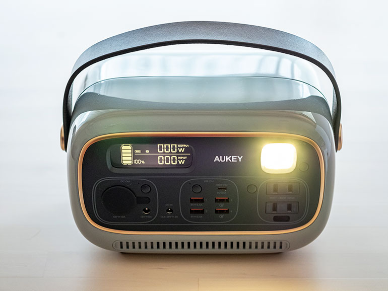 AUKEY「 PowerStudio」LEDライト
