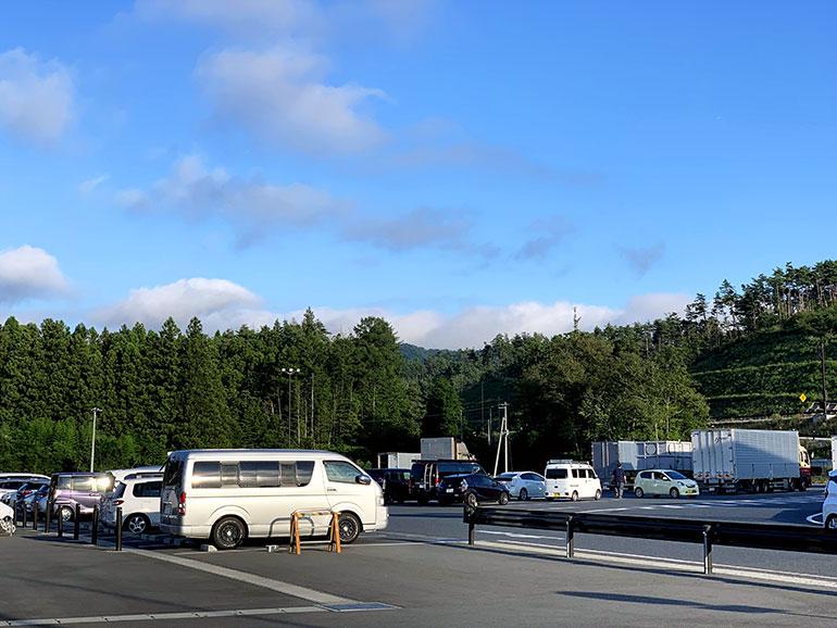 RVパーク・道の駅 三滝堂 駐車場2