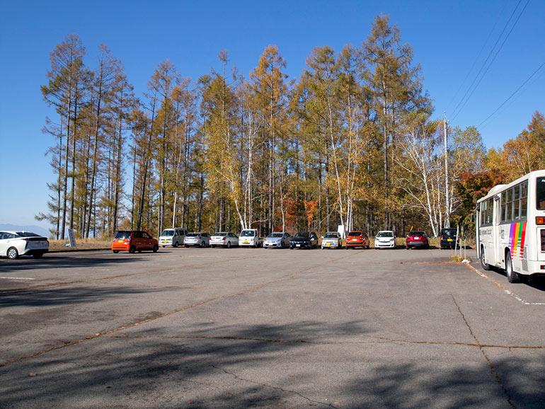 広い駐車場