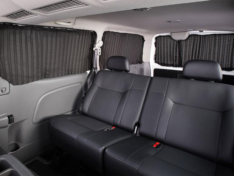 E26キャラバンの後部座席