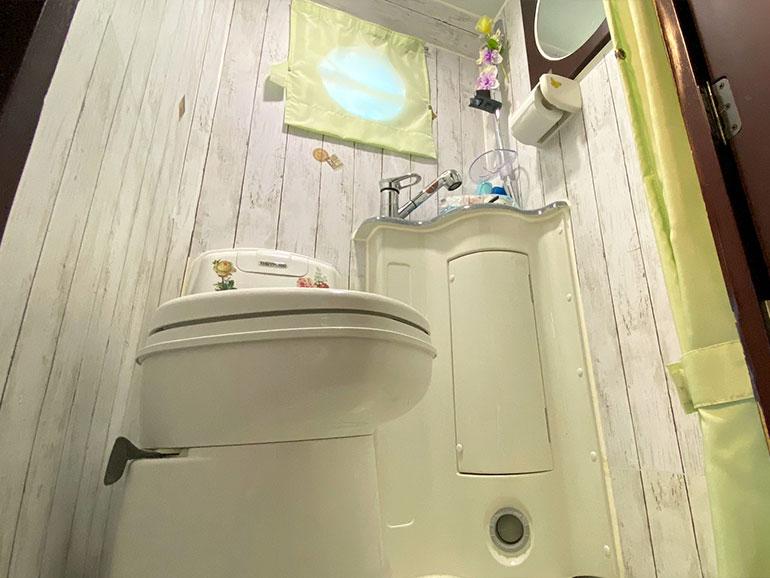 ボーダーバンクス 6.0 トイレ1