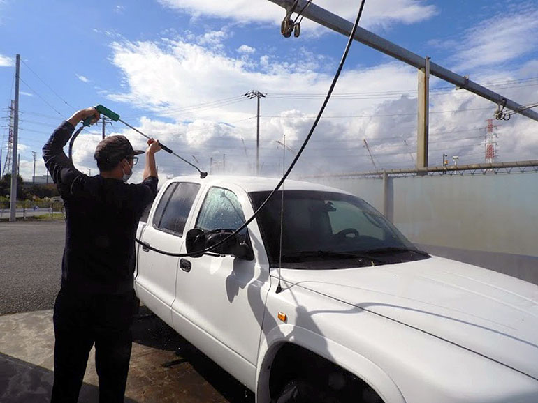ピックアップトラック 洗車