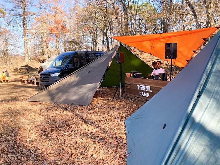 THE ROOM CAMP DJブース