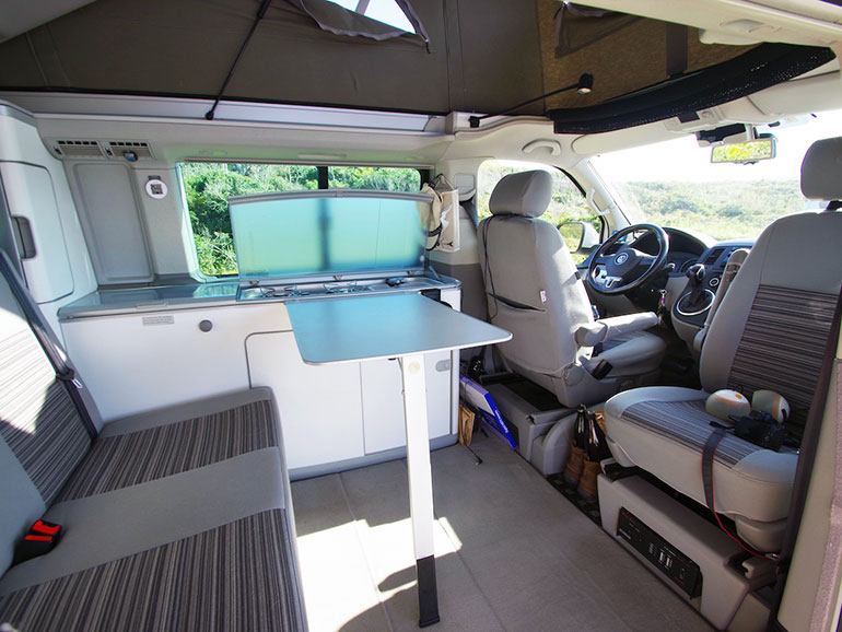 VW T5 California 4motion 室内2