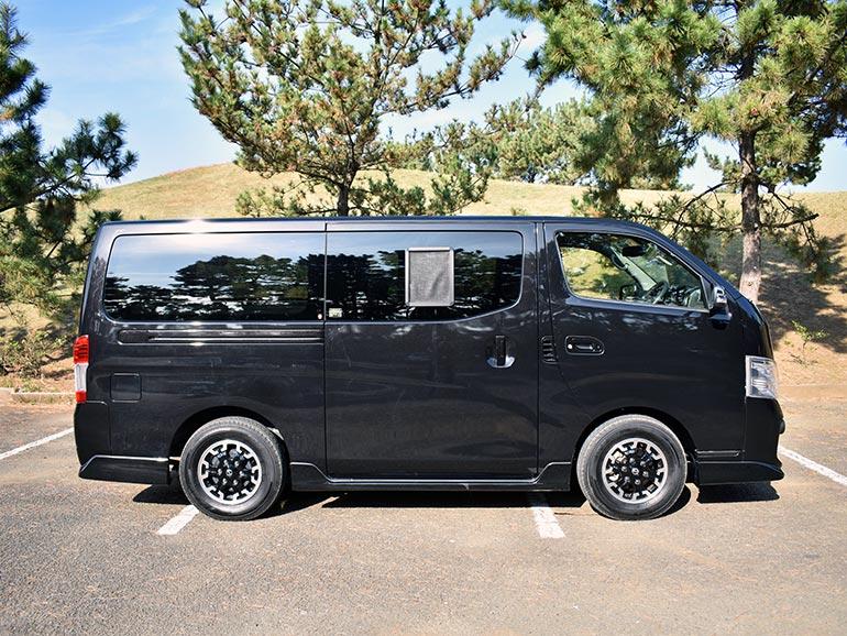 NV350キャラバンマルチベッドの外装サイド