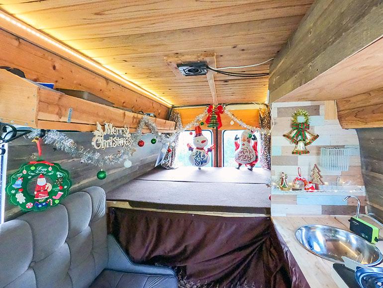 車内 クリスマス仕様