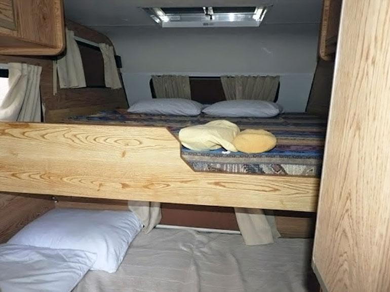 トラキャン ベッド