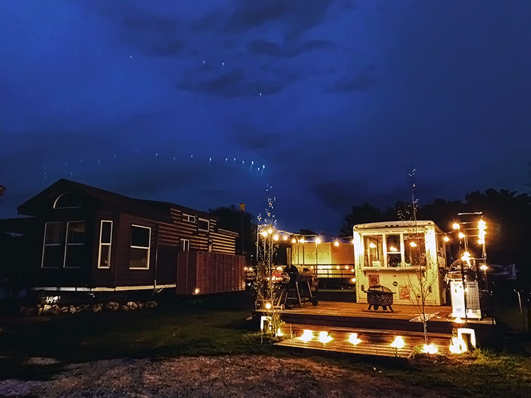 el colina Lake Yamanaka RV Resortの夜の風景